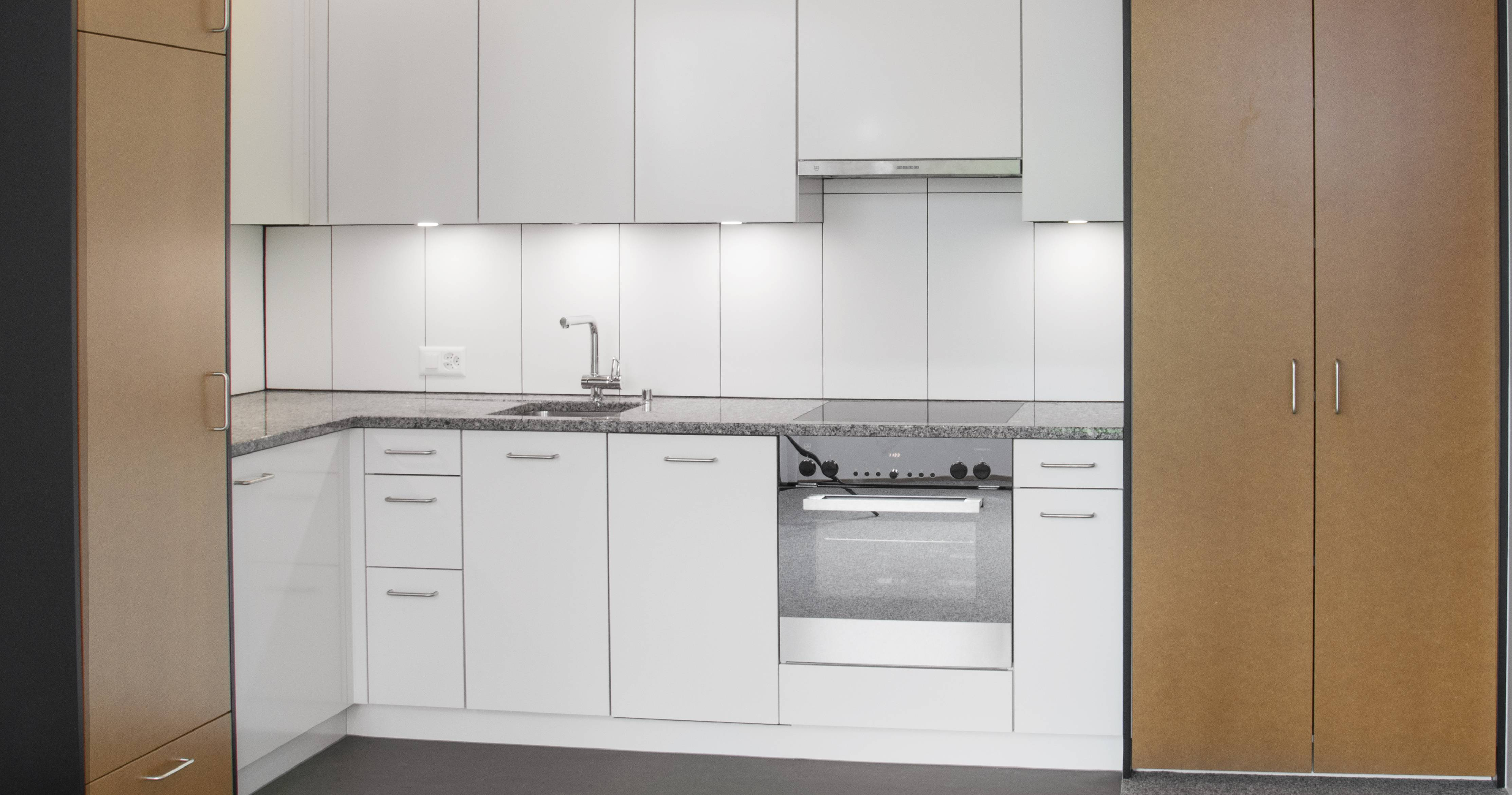 Ziemlich Klassische Küchen Und Bäder Ventura Bilder - Küchen Ideen ...